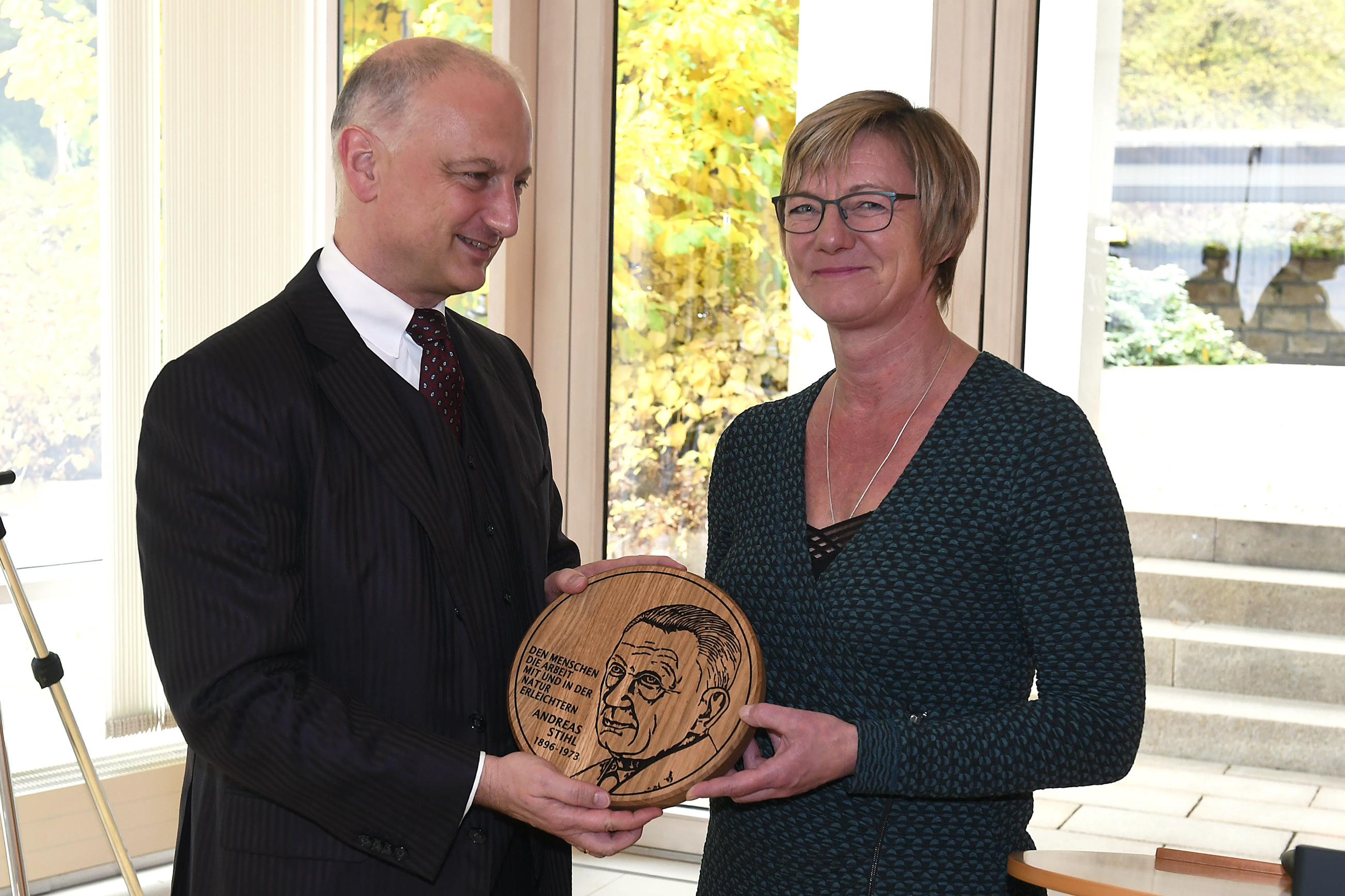 Company founder Andreas Stihl honored with art medal | STIHL
